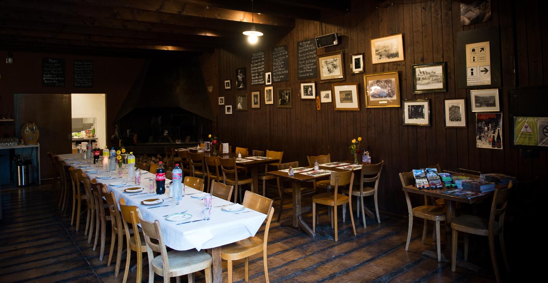 Séminaires et banquets au Café des Mines, mines d'asphalte de La Presta, Val-de-Travers, Neuchâtel