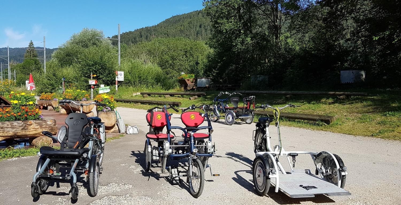Barrierefreiheit im Val-de-Travers durch Elektrovelos für behinderte Erwachsene und Kinder, Asphaltminen von La Presta